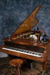 piano_bar_9_13_06_0181